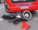 Thai phụ bị xe khách kéo lê trên đường đi sinh con
