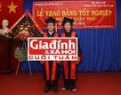 Chuyện khó tin về đôi vợ chồng già tuổi thất thập cùng tốt nghiệp ĐH