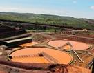Bùn đỏ vùi chết công nhân Nhà máy Alumin ở Tân Rai