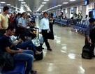 """""""Quậy tưng bừng"""" tại sân bay vì không được ngồi… cạnh vợ"""
