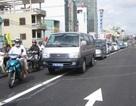 Cấm ngặt xe máy chở hàng cồng kềnh qua cầu vượt bằng thép