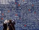 """Tan chảy con tim trước bức tường """"I love you"""" ở Paris"""