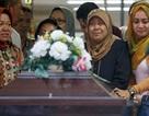 """Nạn nhân đầu tiên trên chuyến bay """"tử thần"""" QZ8501 đã yên nghỉ"""