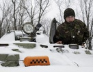 Quân chính phủ Ukraine và phe ly khai trì hoãn rút vũ khí hạng nặng