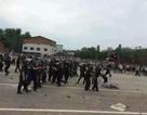 Trung Quốc: Người biểu tình đụng độ dữ dội với cảnh sát