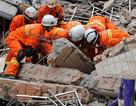 Nhà 9 tầng sập ở Trung Quốc, 16 người mất tích