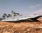 """""""Trung Quốc đóng tàu đổ bộ khổng lồ hòng lấn chiếm Biển Đông"""""""