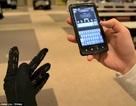 Viết tin nhắn bằng cách chạm vào găng tay