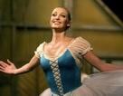 """Nhà hát hàng đầu của Nga bị tố là """"nhà thổ khổng lồ"""""""