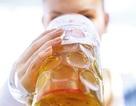 Uống bia giúp phụ nữ giảm nguy cơ bị viêm khớp dạng thấp