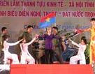 """Rộn ràng đêm ca múa """"Đất nước trọn niềm vui"""" kỷ niệm 40 năm giải phóng"""