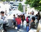 Nghỉ lễ, hàng ngàn lượt người đổ về khu Thánh đường lớn nhất Bạc Liêu