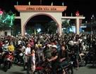 Hàng ngàn người chen chân xem bắn pháo hoa mừng thành lập thị xã