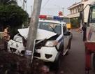 Xe đặc chủng CSGT lao vào cột điện khi đuổi 2 nghi can trộm chó