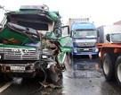 Liên tiếp xảy ra tai nạn ở cửa ngõ Sài Gòn, 2 người nguy kịch, nhiều xe hư hỏng nặng