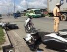 Ô tô tông 3 xe máy, 4 người nhập viện