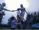 """Yêu cầu kiểm điểm nghiêm túc cán bộ """"sàm sỡ"""" tượng nàng Biang"""