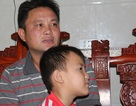 Vụ cháu bé 5 tuổi bị cột viễn thông đè nát chân: Mệt mỏi đi tìm quyền lợi cho con!