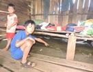 """Không có nơi lưu trú 40 học sinh người Dao ở """"ký túc xá"""" ẩm thấp"""