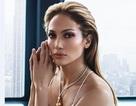 Jennifer Lopez khoe vẻ đẹp hoàn hảo ở tuổi 46