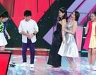 """Lưu Hương Giang """"tháo giày"""" ôm eo Cẩm Ly nhảy trên sân khấu"""