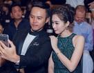 Hoa hậu Đặng Thu Thảo quấn quýt bên người đàn ông lạ