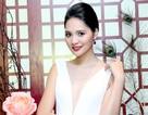 Hoa hậu Hương Giang quyến rũ khi diện váy xẻ sâu táo bạo