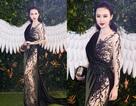 Cận cảnh bộ váy xuyên thấu của Angela Phương Trinh