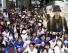Ngôi sao xứ sở kim chi gây náo động sân bay Tân Sơn Nhất