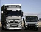 Mercedes-Benz bắt tay doanh nghiệp trong nước lắp xe khách