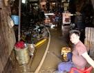 Cuộc sống người dân bị đảo lộn sau trận mưa ngập khủng khiếp ở Sài Gòn