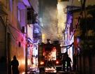 Cháy lớn cạnh cây xăng, cả khu phố hoảng loạn