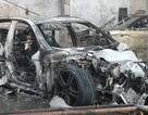 Hình ảnh những xe sang cháy trơ khung trong gara ô tô