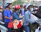 Sài Gòn xuống 20 độ C, người dân xúng xính áo ấm du Xuân