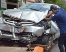 Ô tô lao vào tiệm sửa xe máy, tông chết nam nhân viên