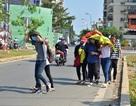 Người Sài Gòn chống chọi cái nóng 38 độ C