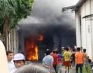 Hơn 100 người khống chế đám cháy lớn tại công ty dệt