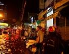 """Đường phố Sài Gòn ngập khủng khiếp, dân """"không thấy đường"""" về nhà"""