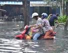 TPHCM: Đường Kinh Dương Vương nâng cao, nhà dân 2 bên ngập lênh láng
