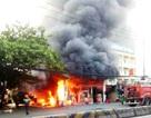 Hiện trường vụ cháy cây xăng sát chợ Hạnh Thông Tây