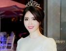 Hoa khôi HSSV Cần Thơ khoe dáng xinh xắn với đầm trắng