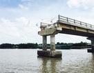 Vụ cầu mới thông xe đã sập: Do sụp đất nền?