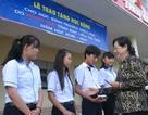 Trao gần 150 suất học bổng đến học sinh nghèo hiếu học
