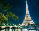 Tháp Eiffel phải đóng cửa vì thông tin khủng bố
