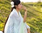 Nữ cán bộ thôn xinh đẹp diện đồ cổ trang quảng bá du lịch