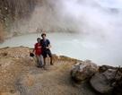Hồ nước sôi sùng sục quanh năm: Nguy hiểm nhưng vẫn hút khách