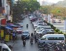 Hà Nội: Chiếm dụng lòng đường làm bãi gửi ô tô gây ách tắc giao thông