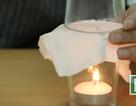 Màn ảo thuật kỳ diệu chỉ với hai chiếc cốc và một cây nến