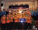 Đội tuyển futsal Việt Nam về nước giữa vòng vây người hâm mộ