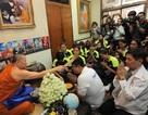 Học theo Leicester, bóng chuyền nữ Thái Lan nhờ nhà sư làm phép